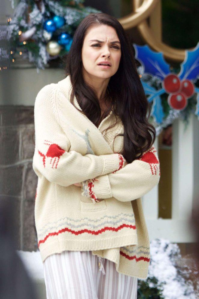Mila Kunis - Filming 'A Bad Moms Christmas' set in Atlanta