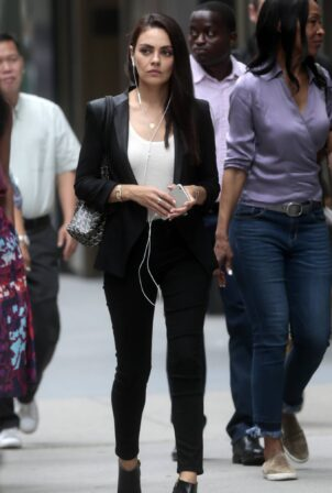 Mila Kunis - Filming The Luckiest Girl Alive in New York