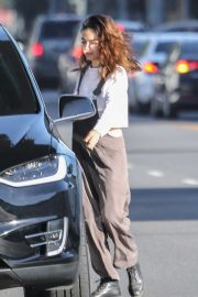 Mila Kunis - Grabs coffee in Los Angeles