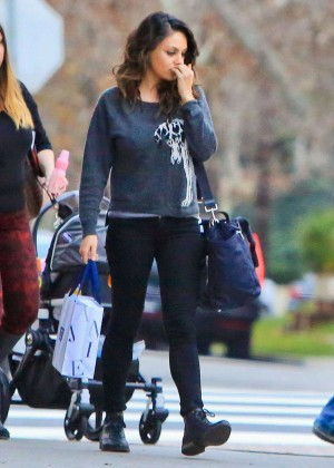 Ashton Kutcher and Mila Kunis Bring Daughter To Dinner in Granville
