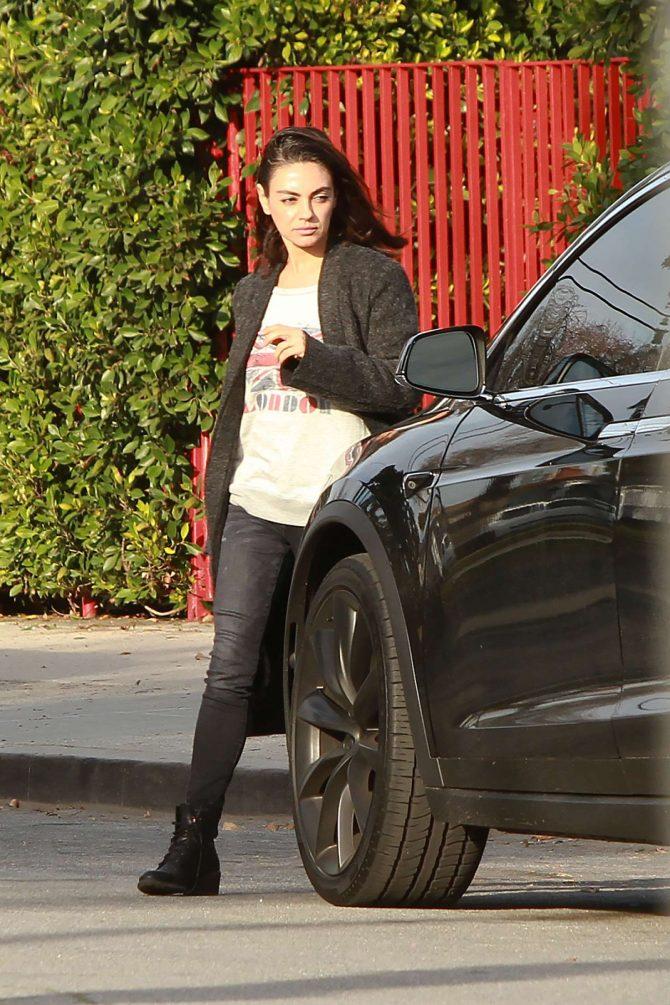 Mila Kunis: Leaving her house in Los Angeles -03