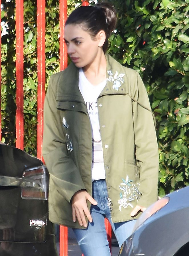 Mila Kunis – Out in Los Angeles