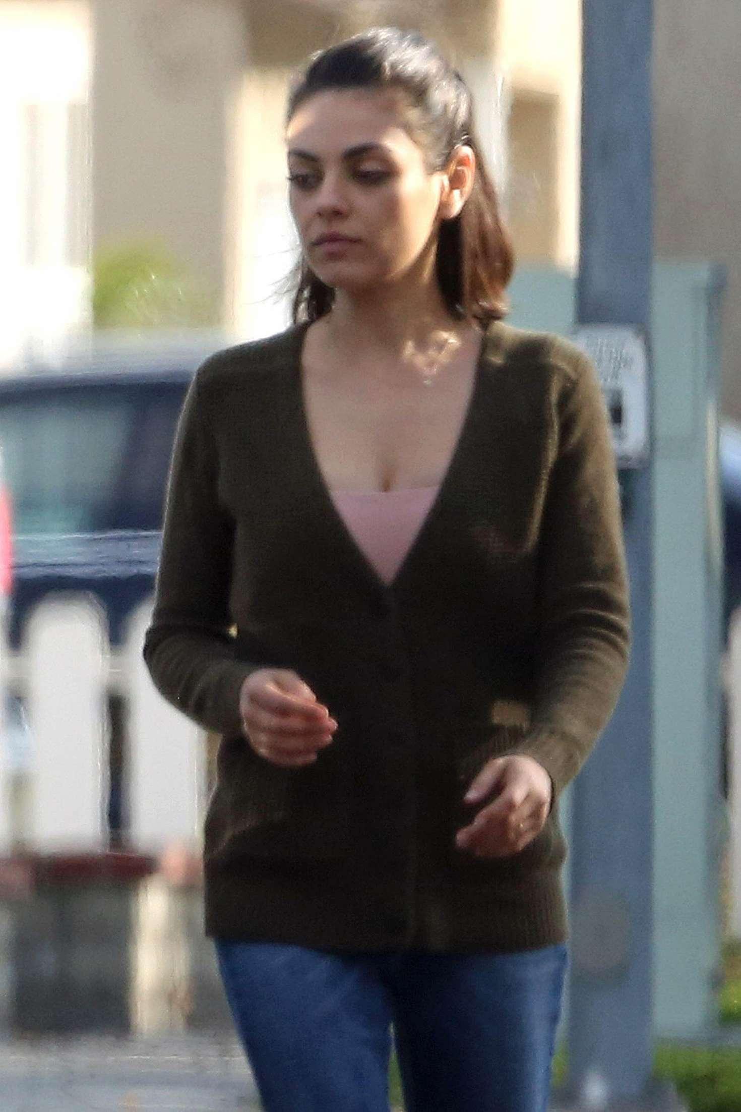 Mila Kunis - Walks to her Car in Studio City