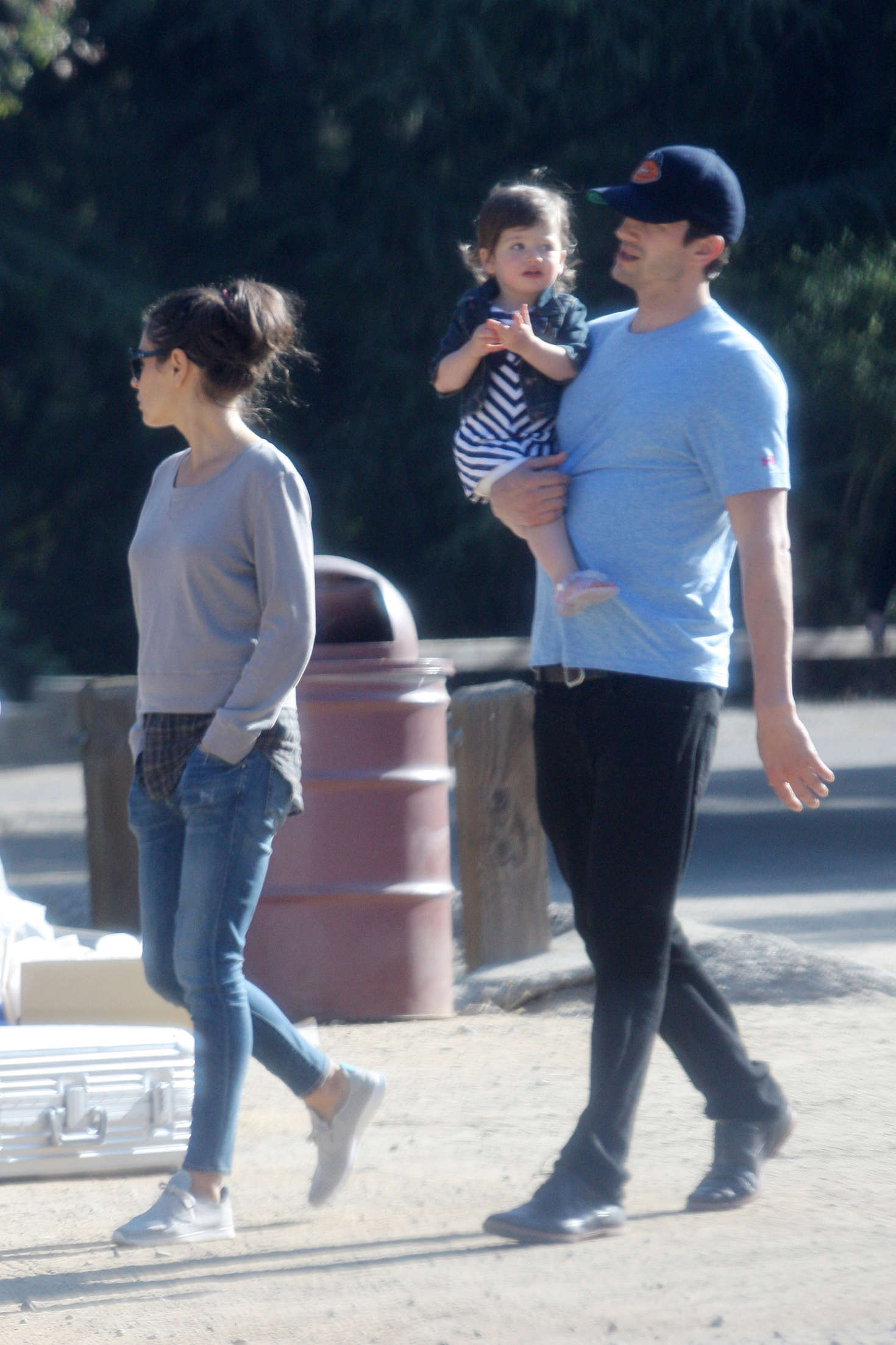 Mila Kunis with her family out in LA -21 | GotCeleb