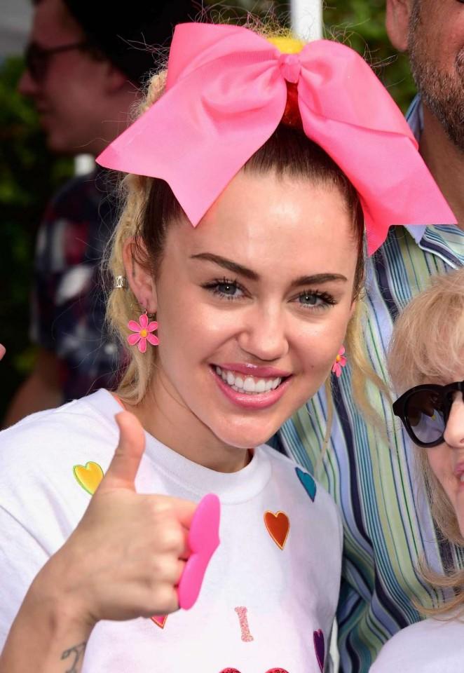 Miley Cyrus - 13th Annual LA County Walk To Defeat ALS in LA