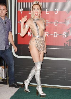 Miley Cyrus: 2015 MTV Video Music Awards -02