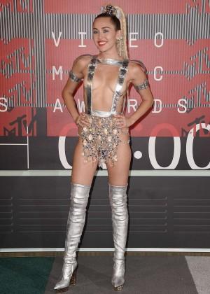 Miley Cyrus: 2015 MTV Video Music Awards -03
