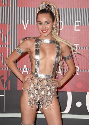Miley Cyrus: 2015 MTV Video Music Awards -20