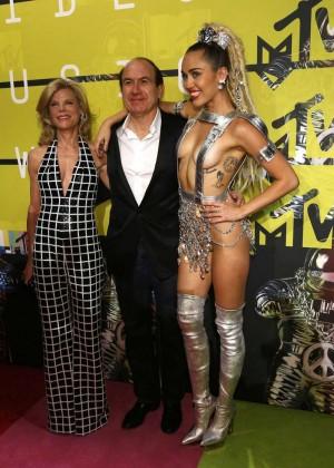 Miley Cyrus: 2015 MTV Video Music Awards -23