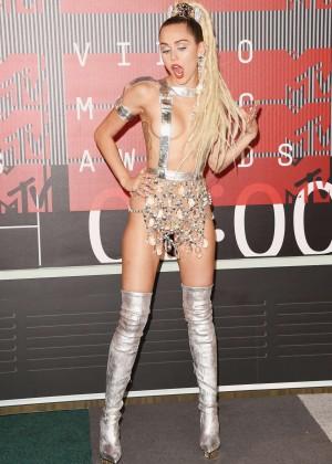 Miley Cyrus: 2015 MTV Video Music Awards -25
