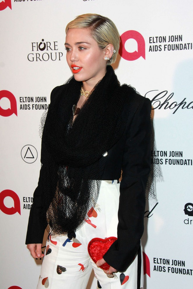 Miley Cyrus 2015 : Miley Cyrus: 2015 Elton John AIDS Foundation Academy Awards Party -02