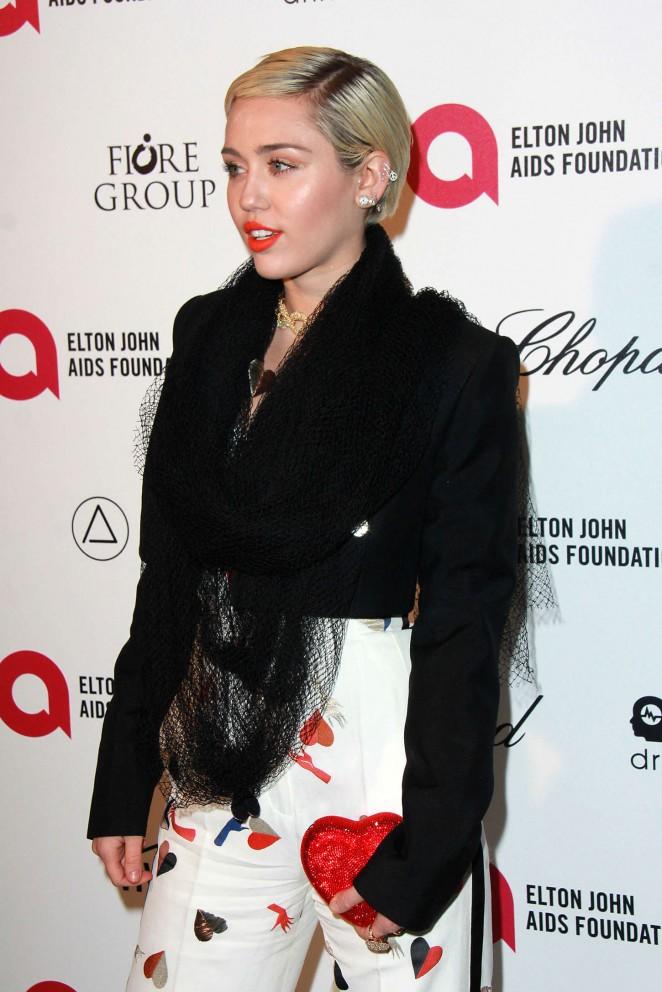 Miley Cyrus: 2015 Elton John AIDS Foundation Academy Awards Party -02