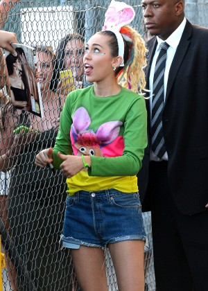 Miley Cyrus - Arrives at 'Jimmy Kimmel Live' in Hollywood