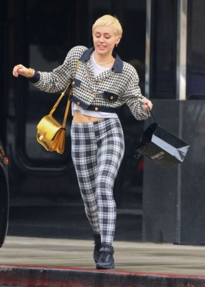Miley Cyrus at XIV Carat Jewelry Store in Beverly Hills