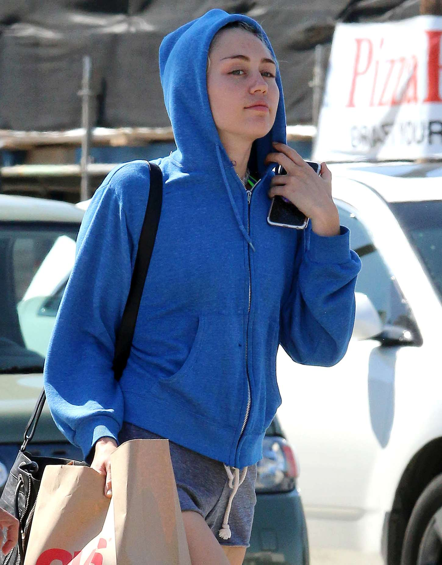 884666f77ce65 Miley Cyrus Booty in Shorts -04 – GotCeleb