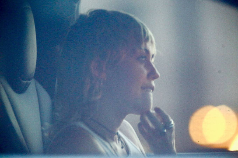 Miley Cyrus 2020 : Miley Cyrus – Driving around in Los Angeles-01