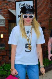 Miley Cyrus - Goes to get her hair done out in New York City