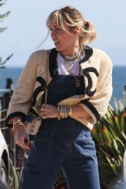 Miley Cyrus - Have lunch at Nobu in Malibu