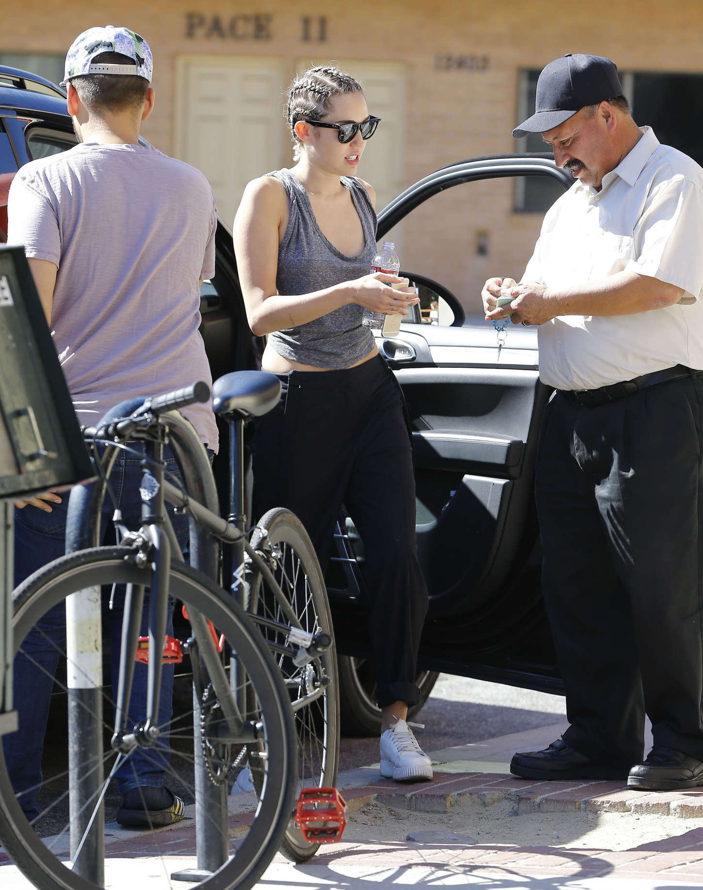 Miley Cyrus 2015 : Miley Cyrus: Headed for lunch -07