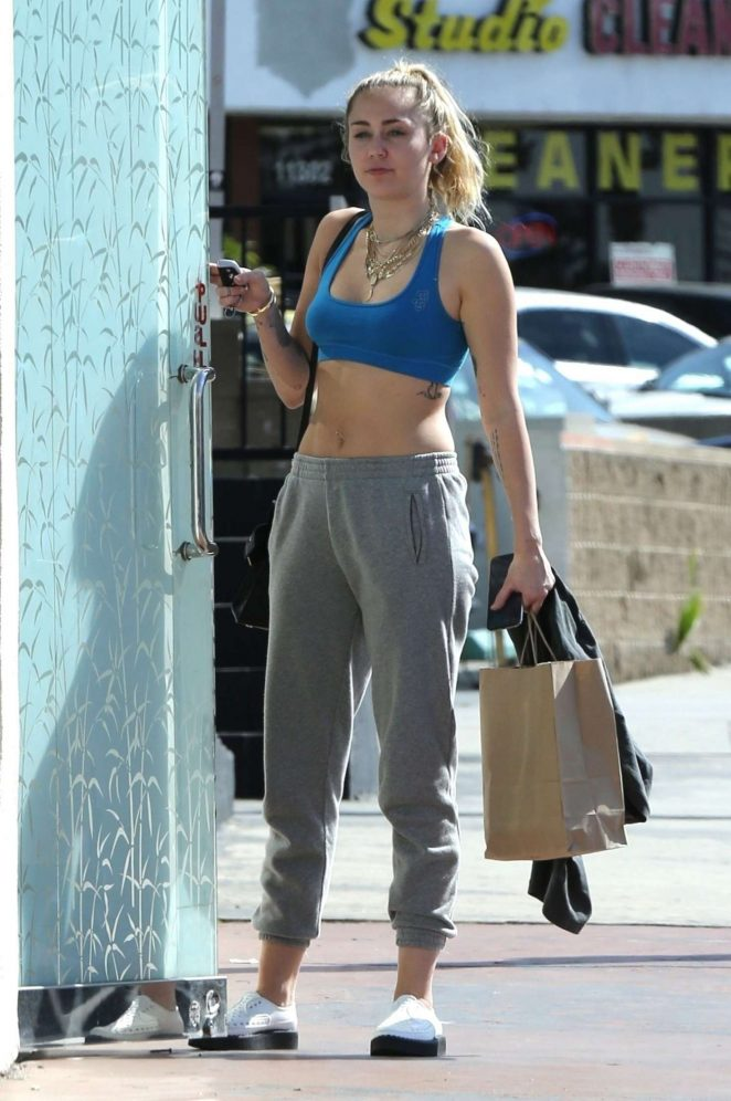 Miley Cyrus - Heads to a nail salon in Los Angeles