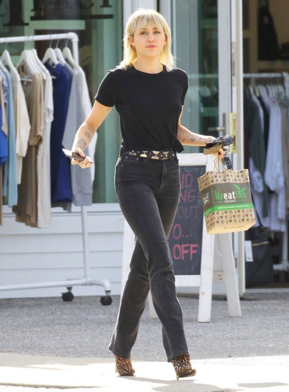Miley Cyrus in Black Jeans - Out and about in Los Feliz
