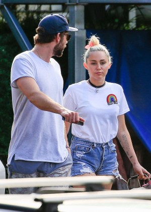 Miley Cyrus in Jeans Shorts -02