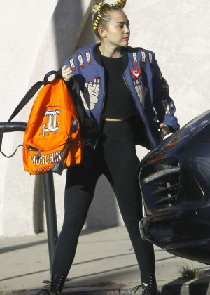 Miley Cyrus in Spandex Leaves a Veterinarian Office in LA