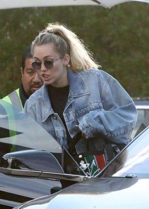 Miley Cyrus - Leaving Nobu in Malibu