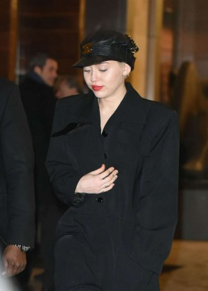 Miley Cyrus - Leaving Nobu in NYC