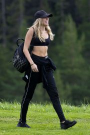 Miley Cyrus - Leaving the Dolomites in San Cassiano