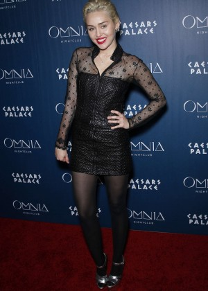Miley Cyrus - Omnia Nightclub at Caesars Palace in Las Vegas