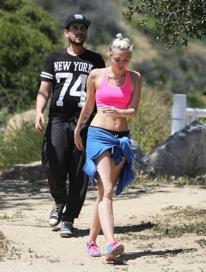 ebfa64c0d093c Miley Cyrus in Sports Bra -10 – GotCeleb