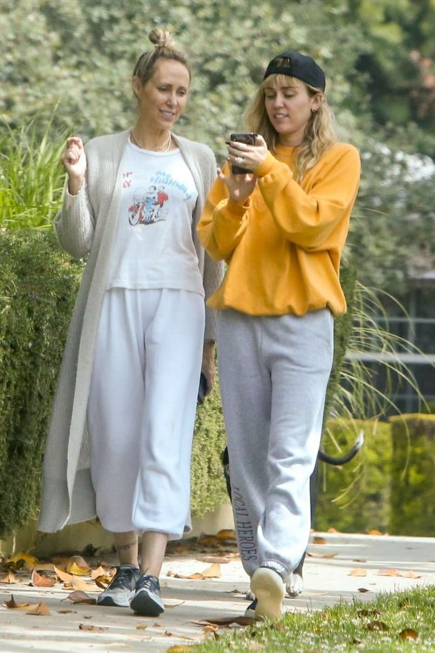 Miley Cyrus: Out for a walk with her mother Trish-07