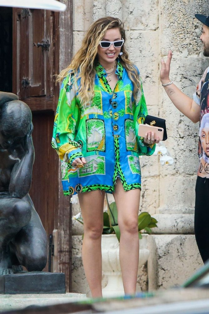 Miley Cyrus: Out in Miami Beach -07