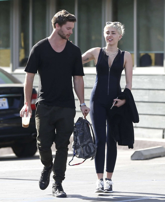Miley Cyrus Booty in Tights -03 - GotCeleb