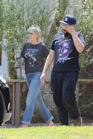 Miley Cyrus - outside house in Calabasas