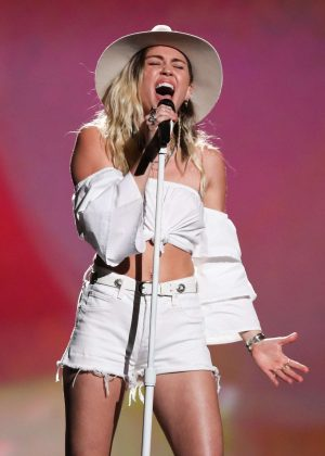 Miley Cyrus - Performing at 2017 Billboard Music Awards in Las Vegas