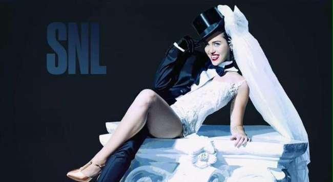 Miley Cyrus – 'Saturday Night Live' Photoshoot 2015