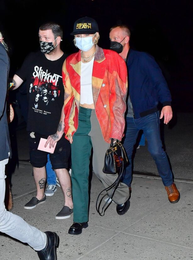 Miley Cyrus - Seen at her hotel after SNL rehearsals inn New York
