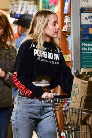 Miley Cyrus - Shopping in Sherman Oaks