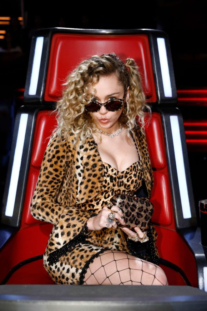 Miley Cyrus - The Voice Season 13 live shows