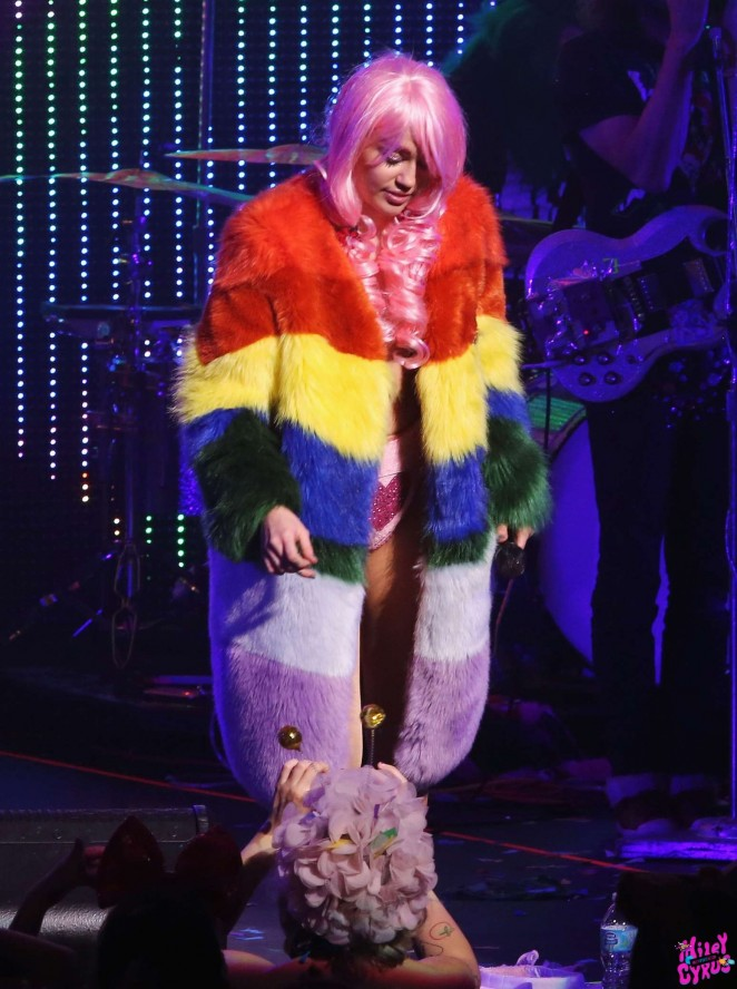 Miley Cyrus: Tour Concert in Vancouver-44