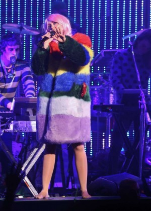Miley Cyrus: Tour Concert in Vancouver-45