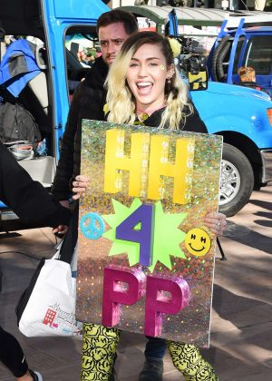 Miley Cyrus - Women's March on Los Angeles