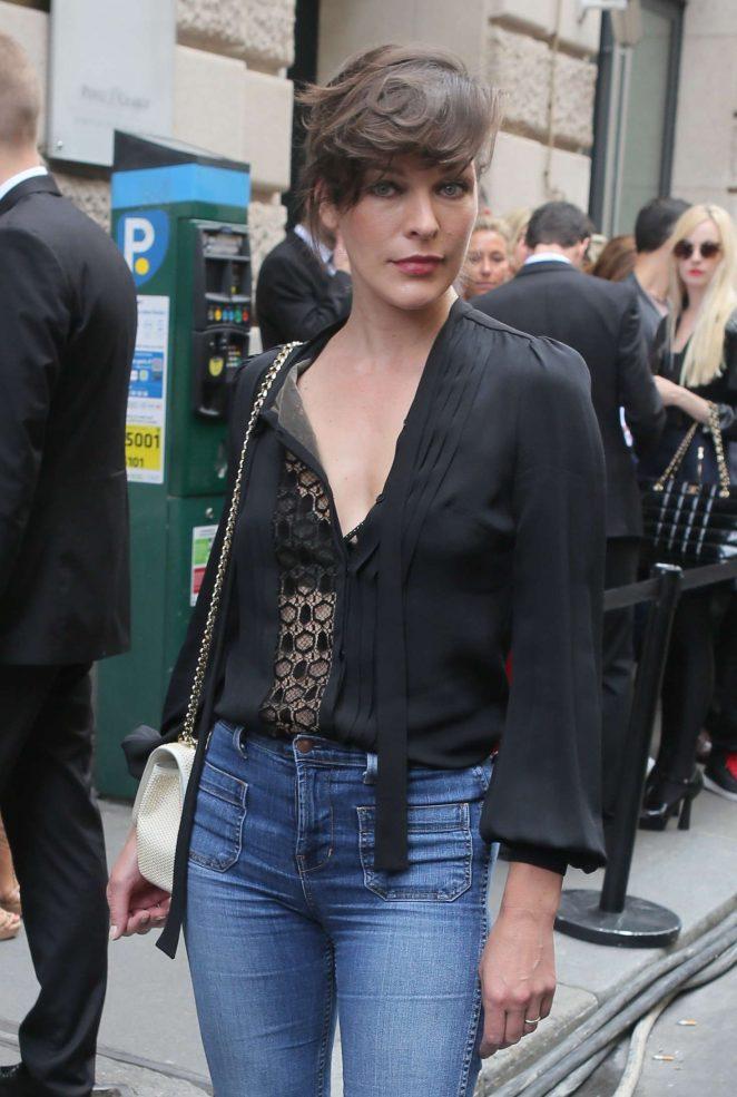 Milla Jovovich - Elie Saab Fashion Haute-Couture F/W 2016/2017 in Paris