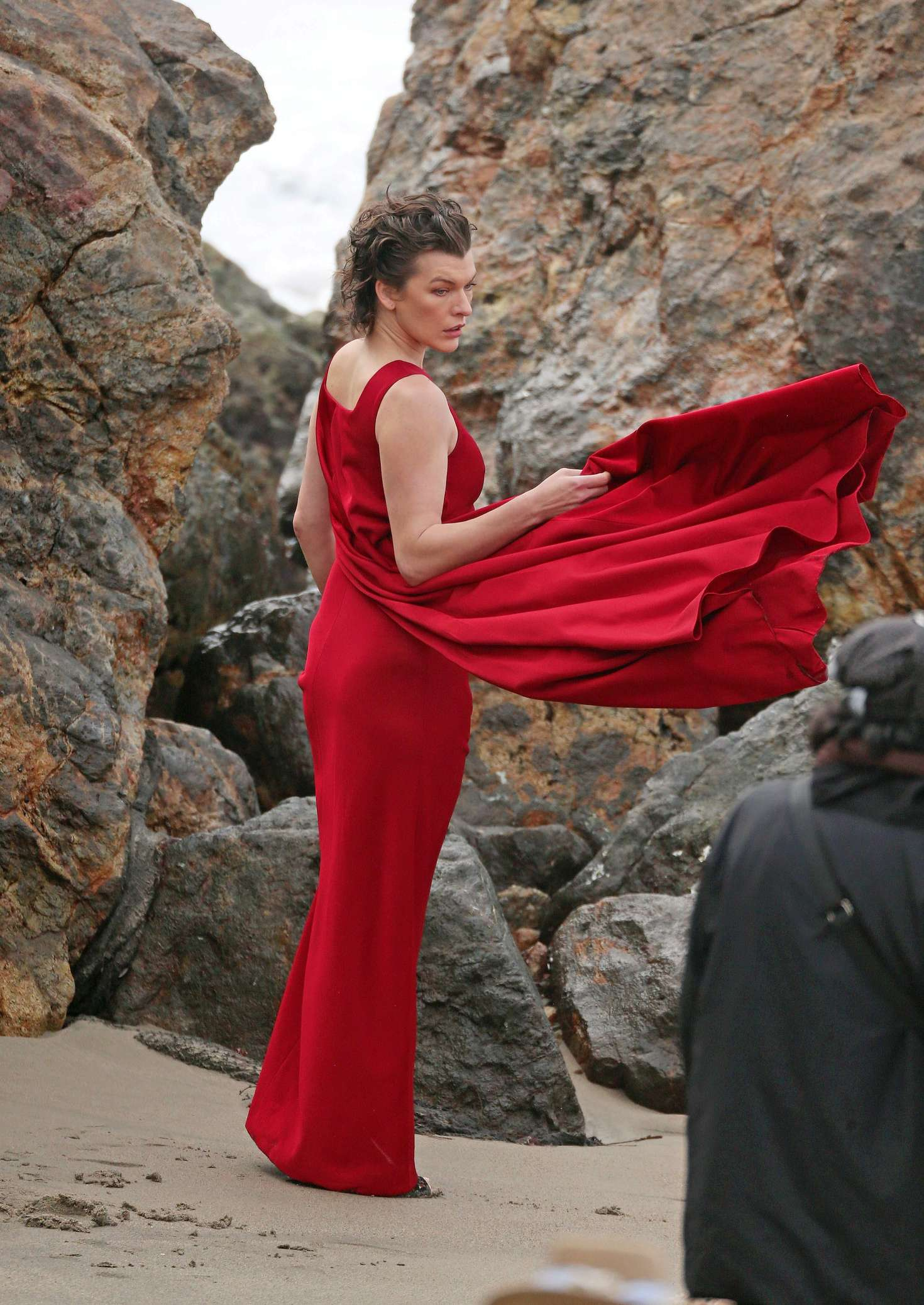 milla jovovich in red dress on photoshoot 05 gotceleb