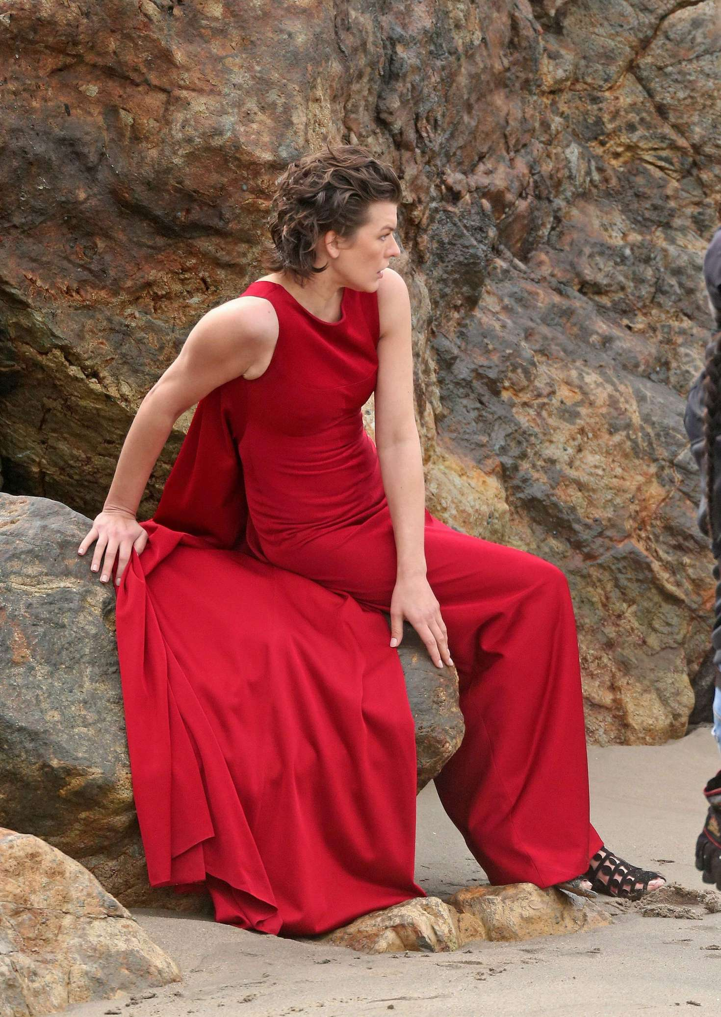 milla jovovich in red dress on photoshoot 10 gotceleb