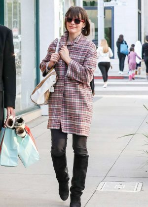 Milla Jovovich - Shopping in Beverly Hills