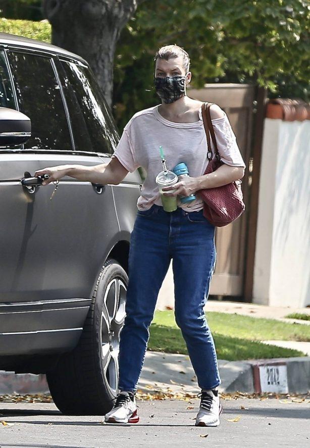 Milla Jovovich - Visiting a friend in Los Feliz