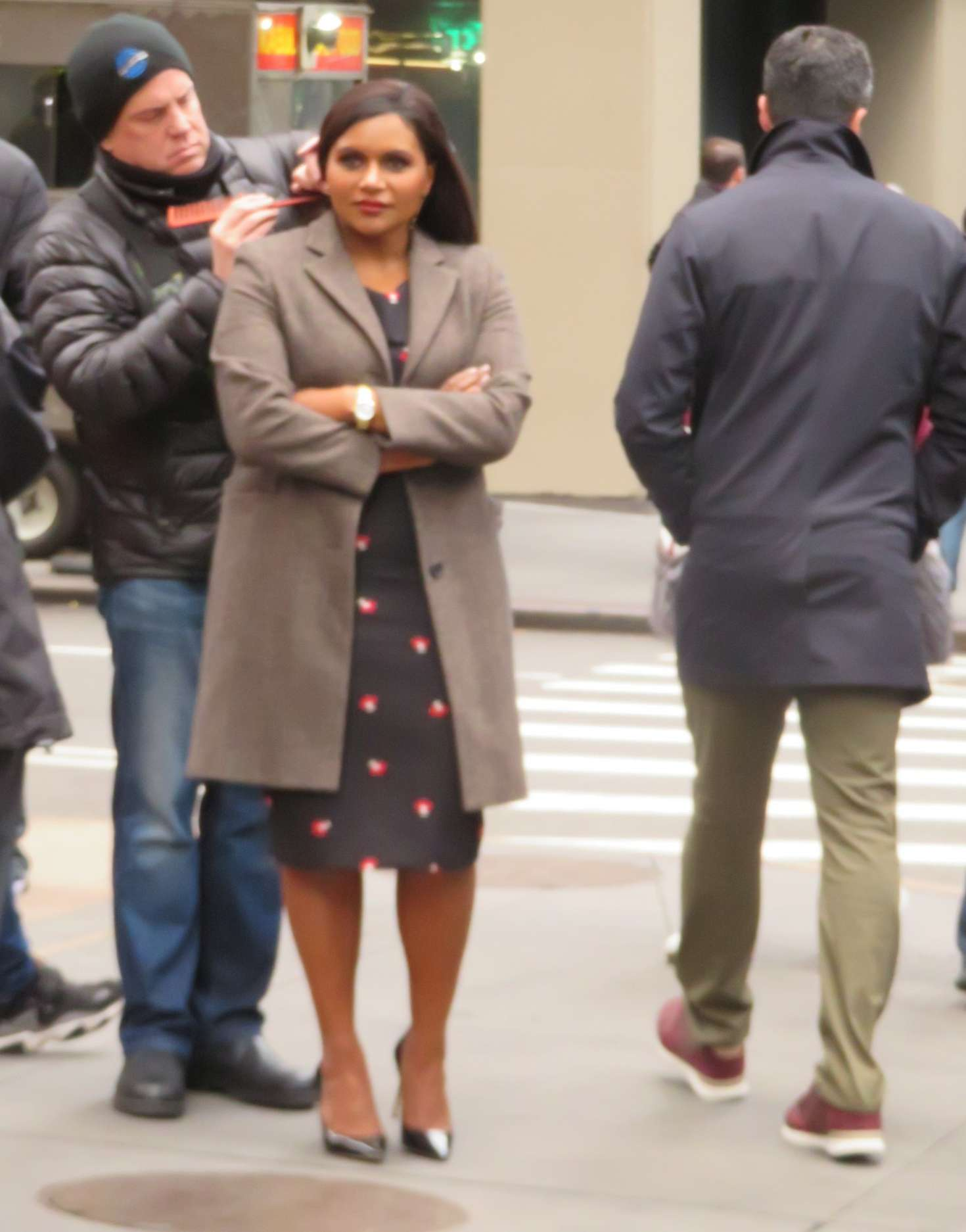 Mindy Kaling Filming The Late Night Show 02 Gotceleb